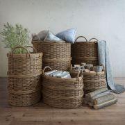箩筐,木块杂物
