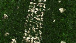 石头路加草地