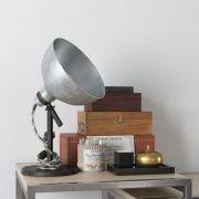桌面宝箱,台灯等陈设品