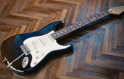 吉他,电贝司,电吉他摇滚maya模型,mb,obj格式,无贴图